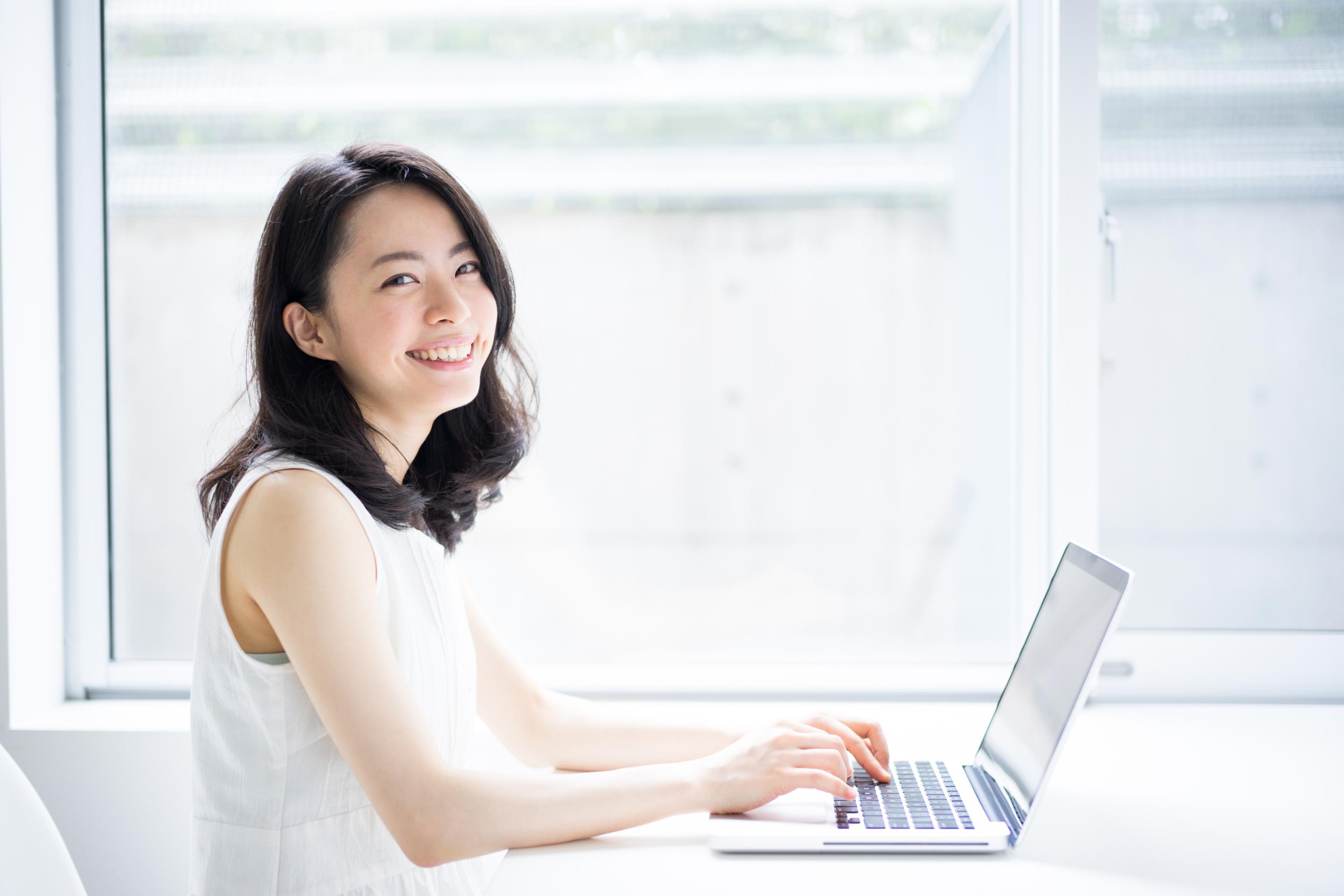 英語コーチングと、プロ日本人講師によるマンツーマンレッスンで、海外で困らない英語力を伸ばす