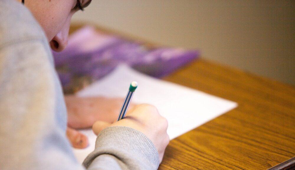 英語は独学でも勉強できる!おすすめの勉強法をご紹介